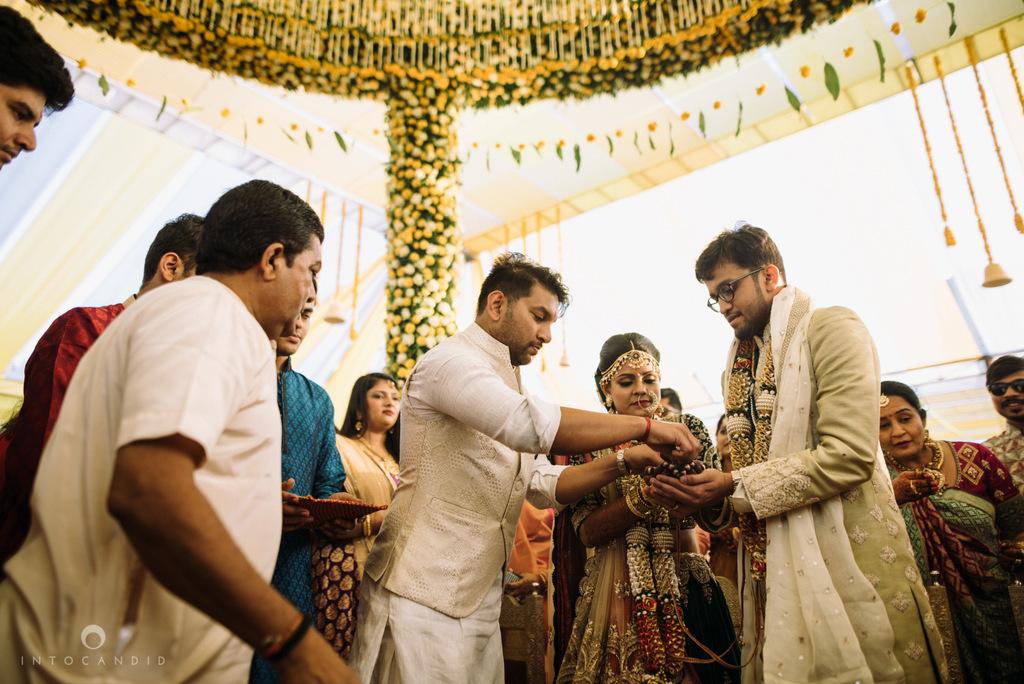 mumbai_candid_wedding_photographer_ketanmanasvi_intocandid_photography_58.jpg