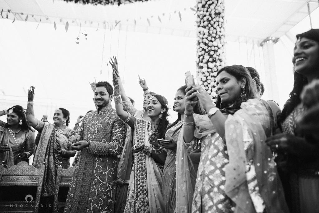 mumbai_candid_wedding_photographer_ketanmanasvi_intocandid_photography_61.jpg
