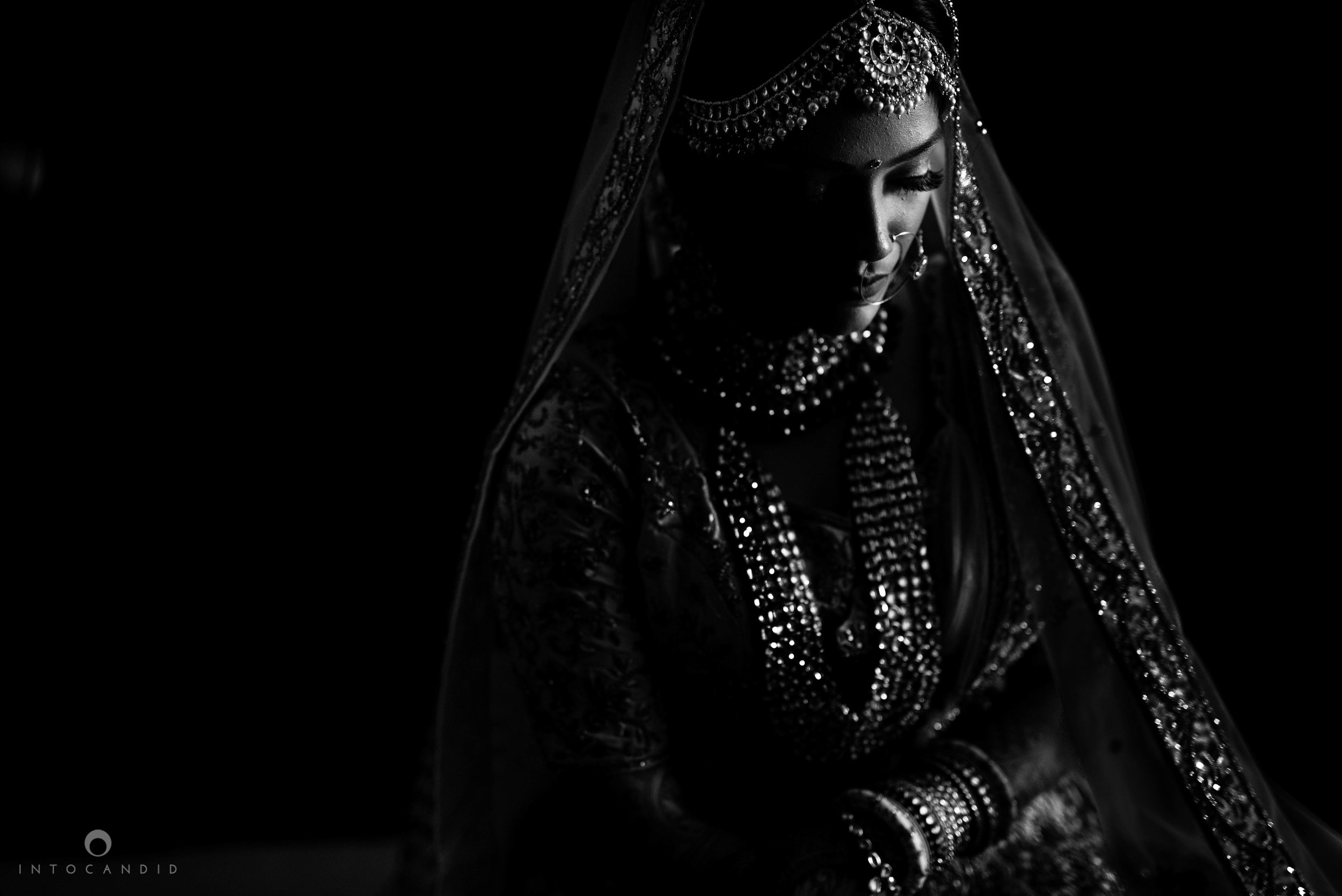 Candid_wedding_photographer_in_mumbai_17.JPG
