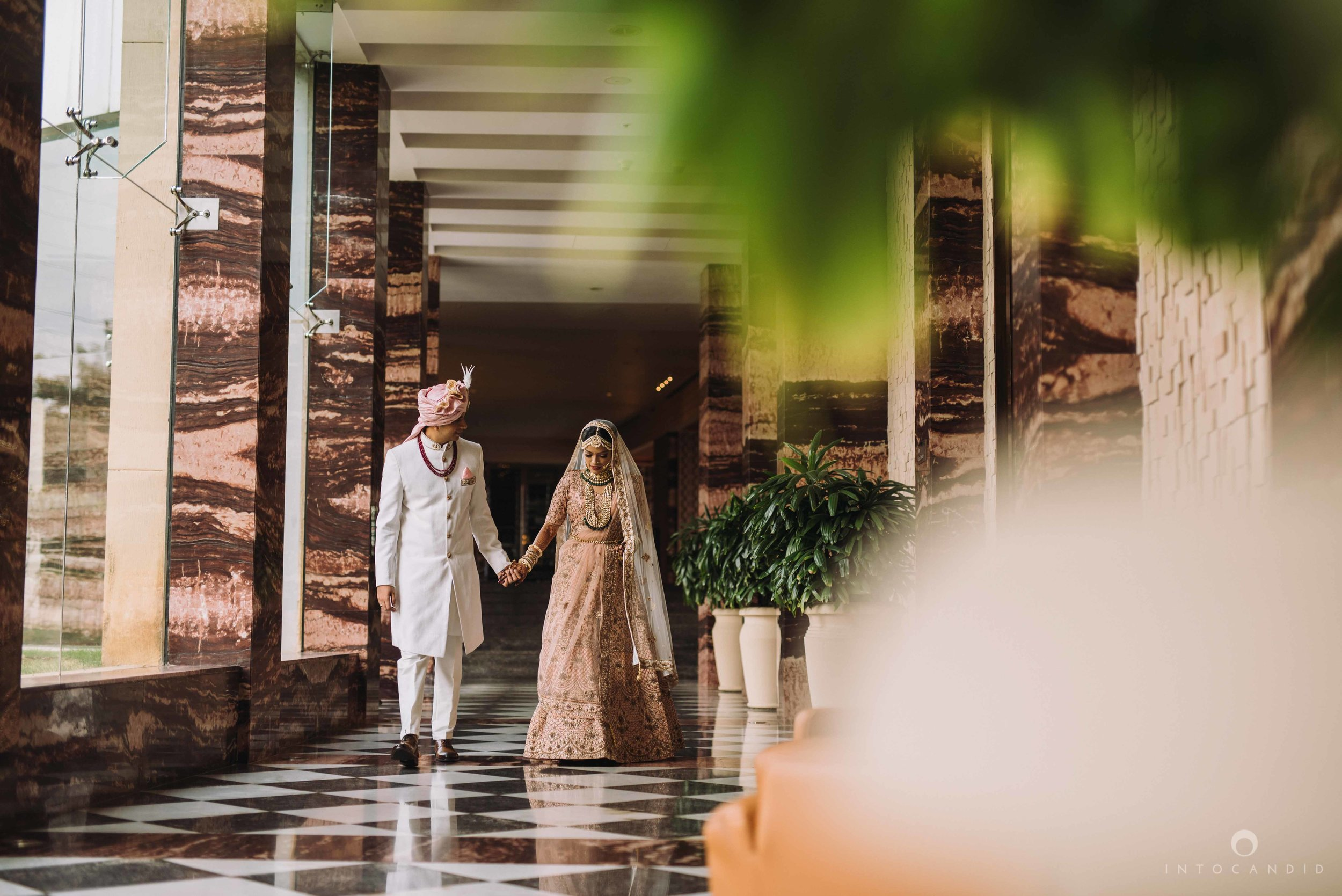 Candid_wedding_photographer_in_mumbai_20.JPG