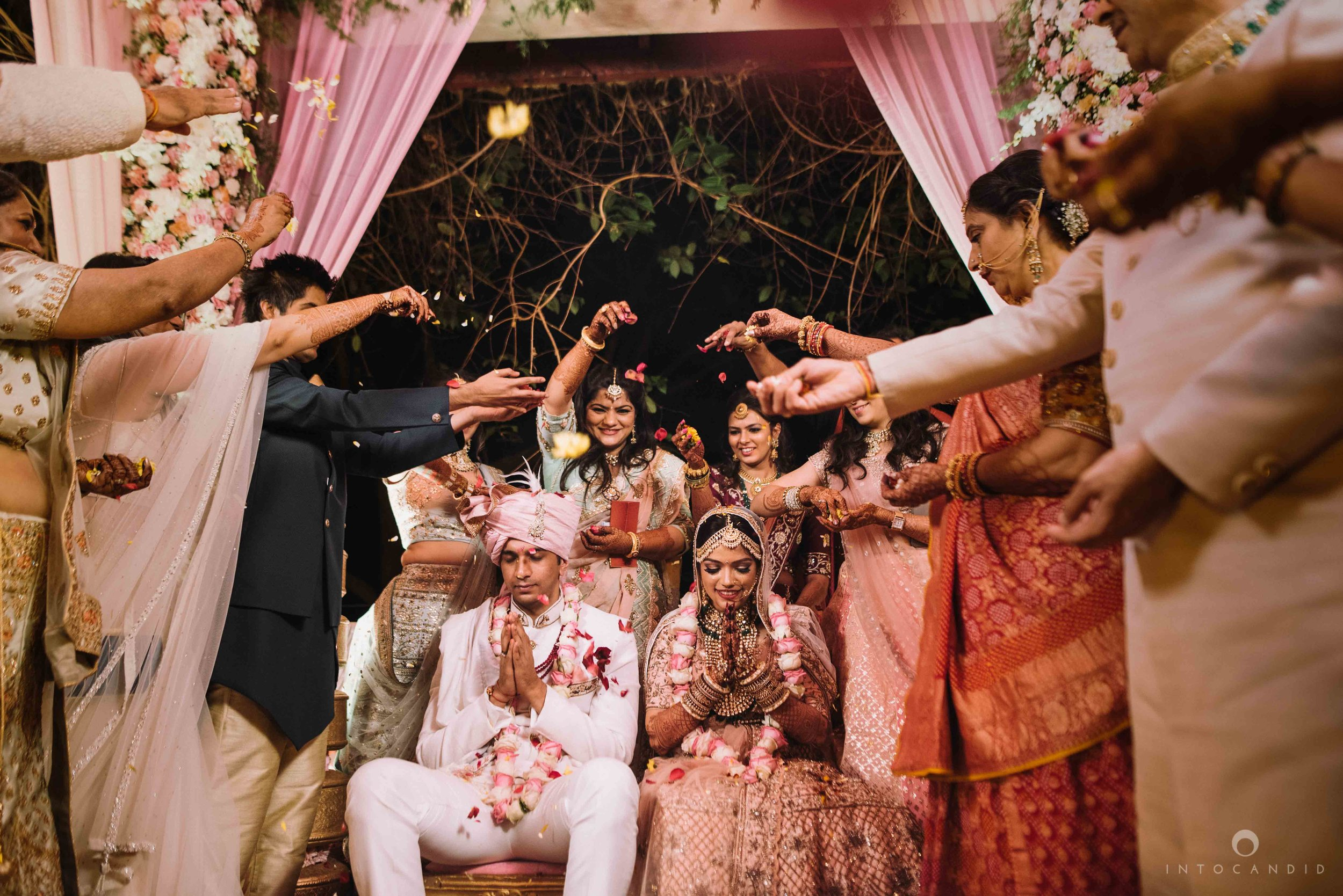 Candid_wedding_photographer_in_mumbai_51.JPG