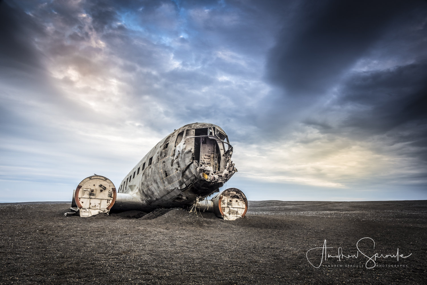 Andrew Sproule | Adventure & Wildlife Photographer | Iceland | DC-3 plane wreck on the black sand beach at Solheimasandur