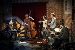 Nell Robinson & Jim Nunally Band - 7