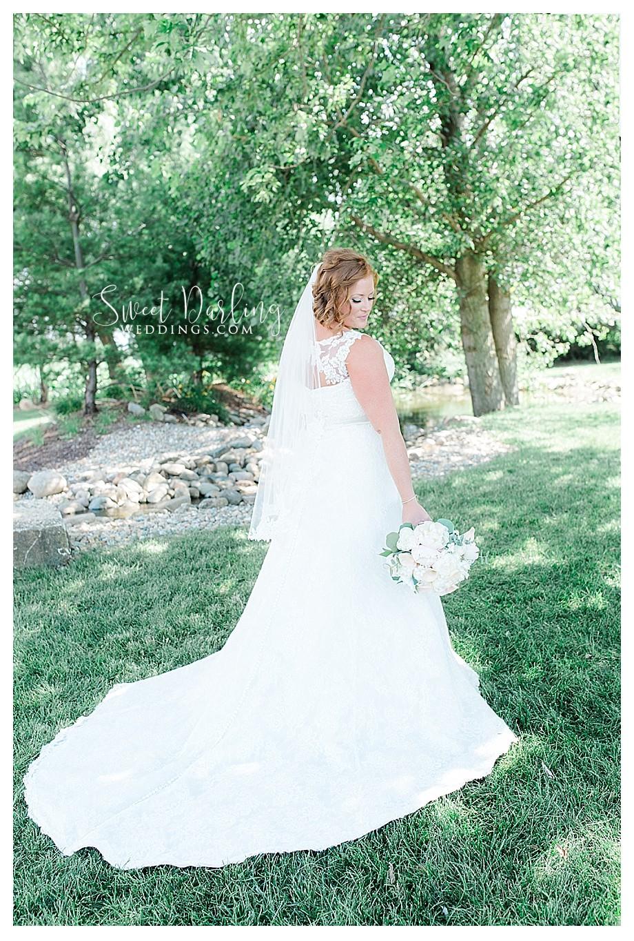 white peonies wedding bouquet