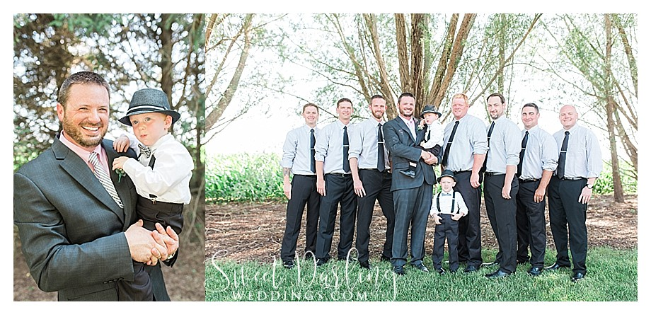 groom and groomsmen large bridal party