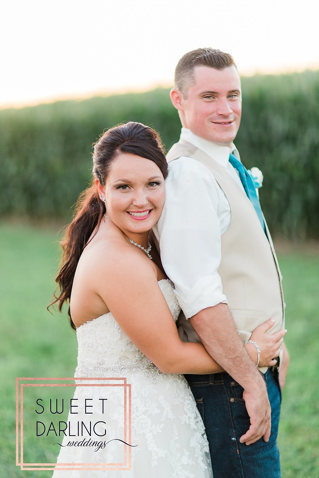 wedding-barn-farm-horses-sparkler-exit-paxton-il-champaign-wedding-photographer-darling-sweet_0252