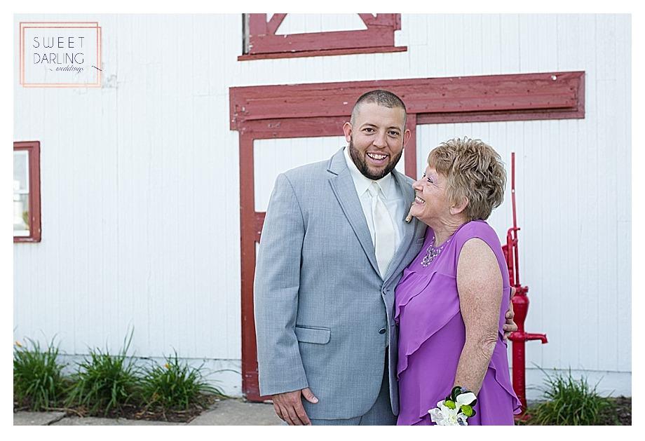 elegant-country-barn-wedding-hudson-farm-urbana-illinois-sweet-darling-weddings-photography_0701