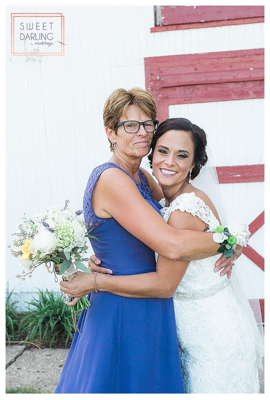 elegant-country-barn-wedding-hudson-farm-urbana-illinois-sweet-darling-weddings-photography_0713