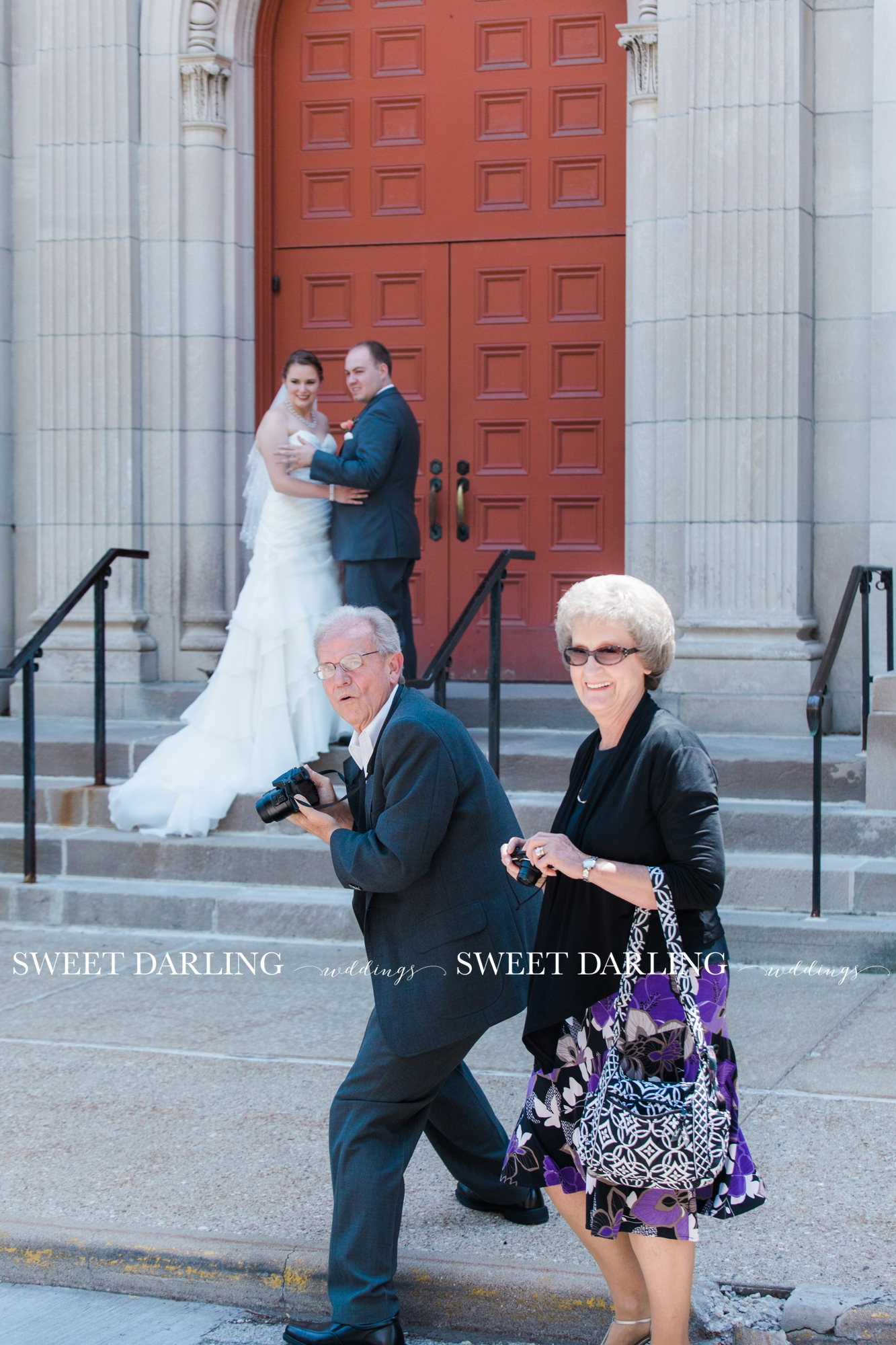 Jeremy's great aunt and uncle, are the cutest paparazzi we've seen!