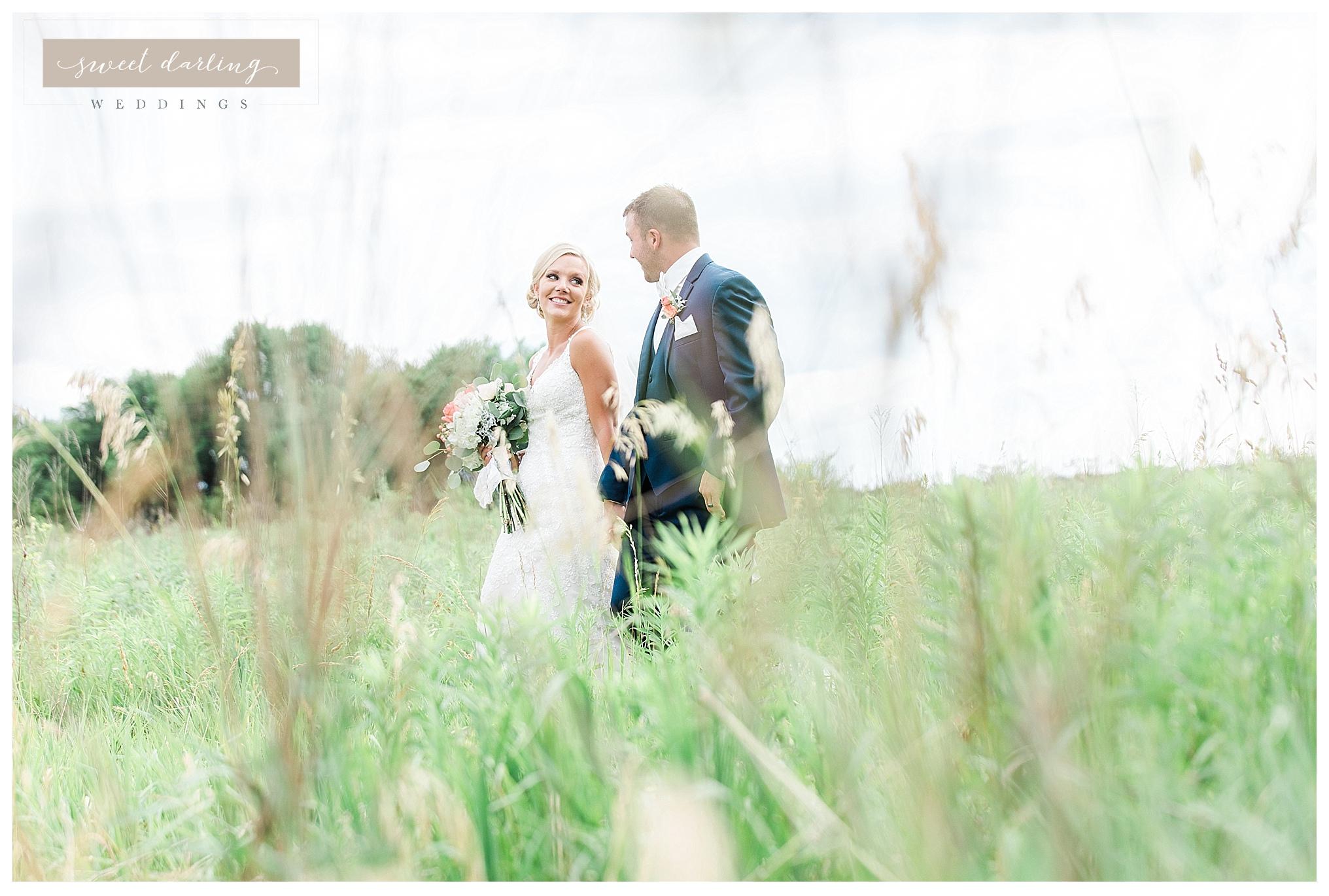 Paxton-illinois-engelbrecht-farmstead-romantic-wedding-photographer-sweet-darling-weddings_1225.jpg