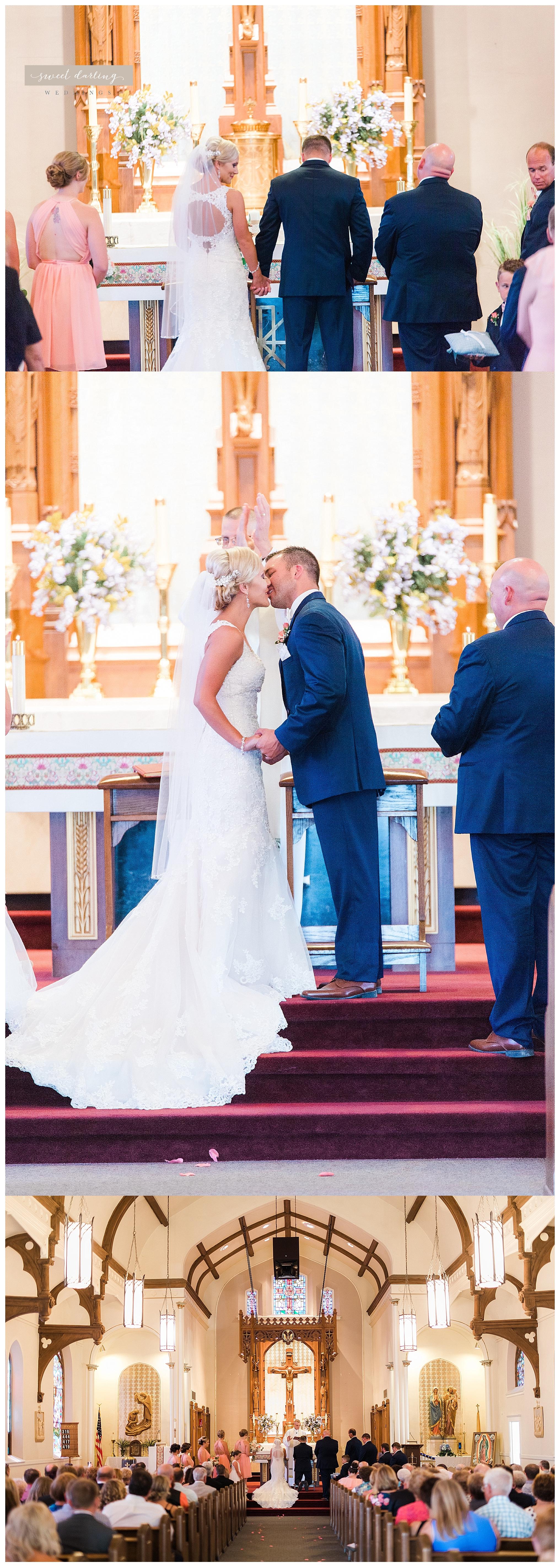 Paxton-illinois-engelbrecht-farmstead-romantic-wedding-photographer-sweet-darling-weddings_1222.jpg