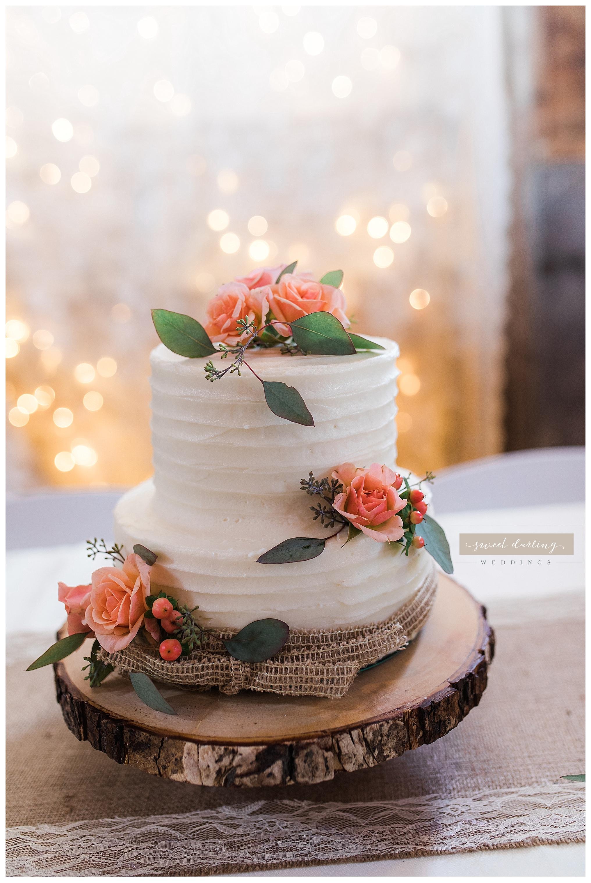 Paxton-illinois-engelbrecht-farmstead-romantic-wedding-photographer-sweet-darling-weddings_1217.jpg
