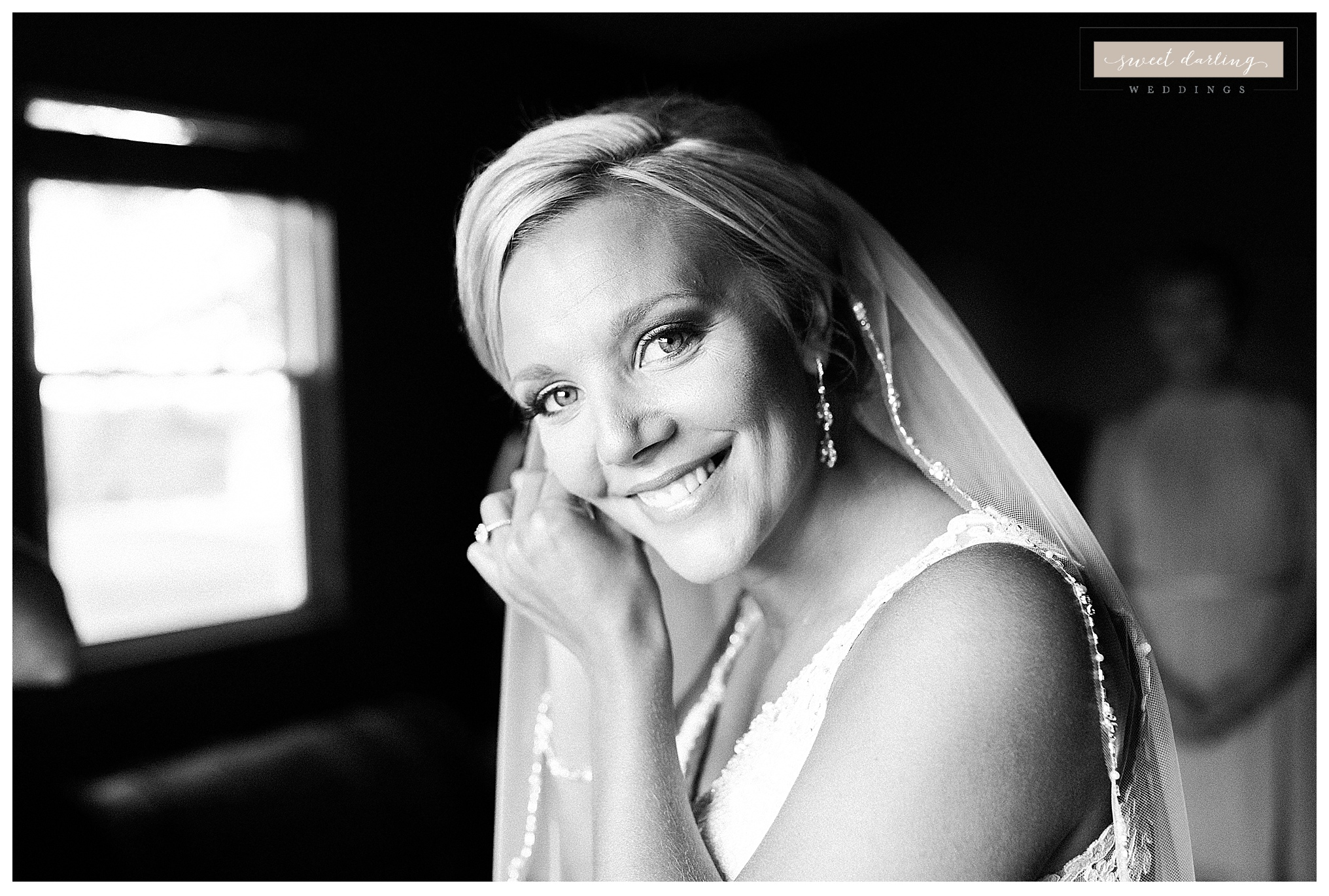 Paxton-illinois-engelbrecht-farmstead-romantic-wedding-photographer-sweet-darling-weddings_1211.jpg