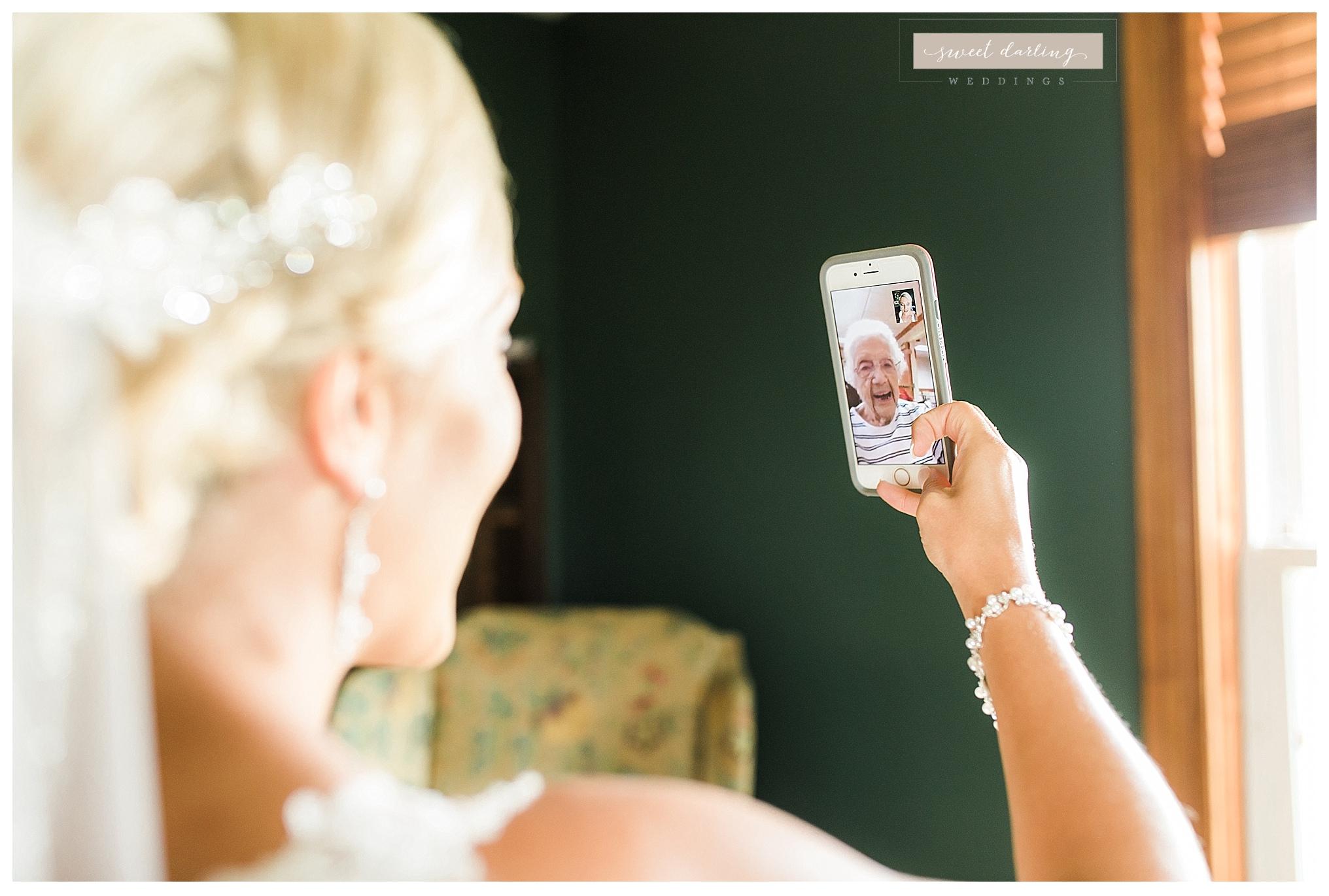 Paxton-illinois-engelbrecht-farmstead-romantic-wedding-photographer-sweet-darling-weddings_1210.jpg