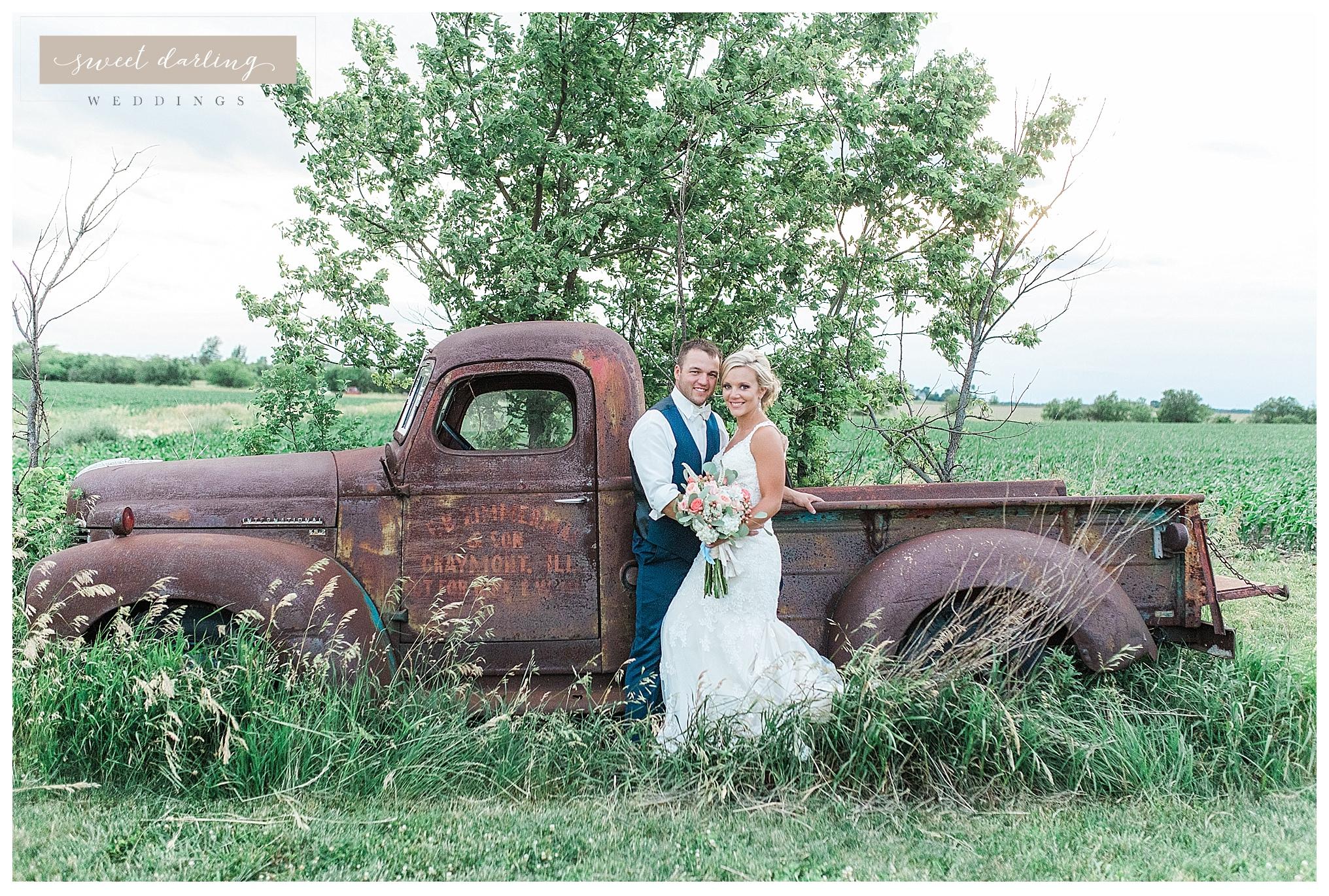 Rpaxton-illinois-engelbrecht-farm-country-wedding-photographer-sweet-darling-weddings_1271.jpg