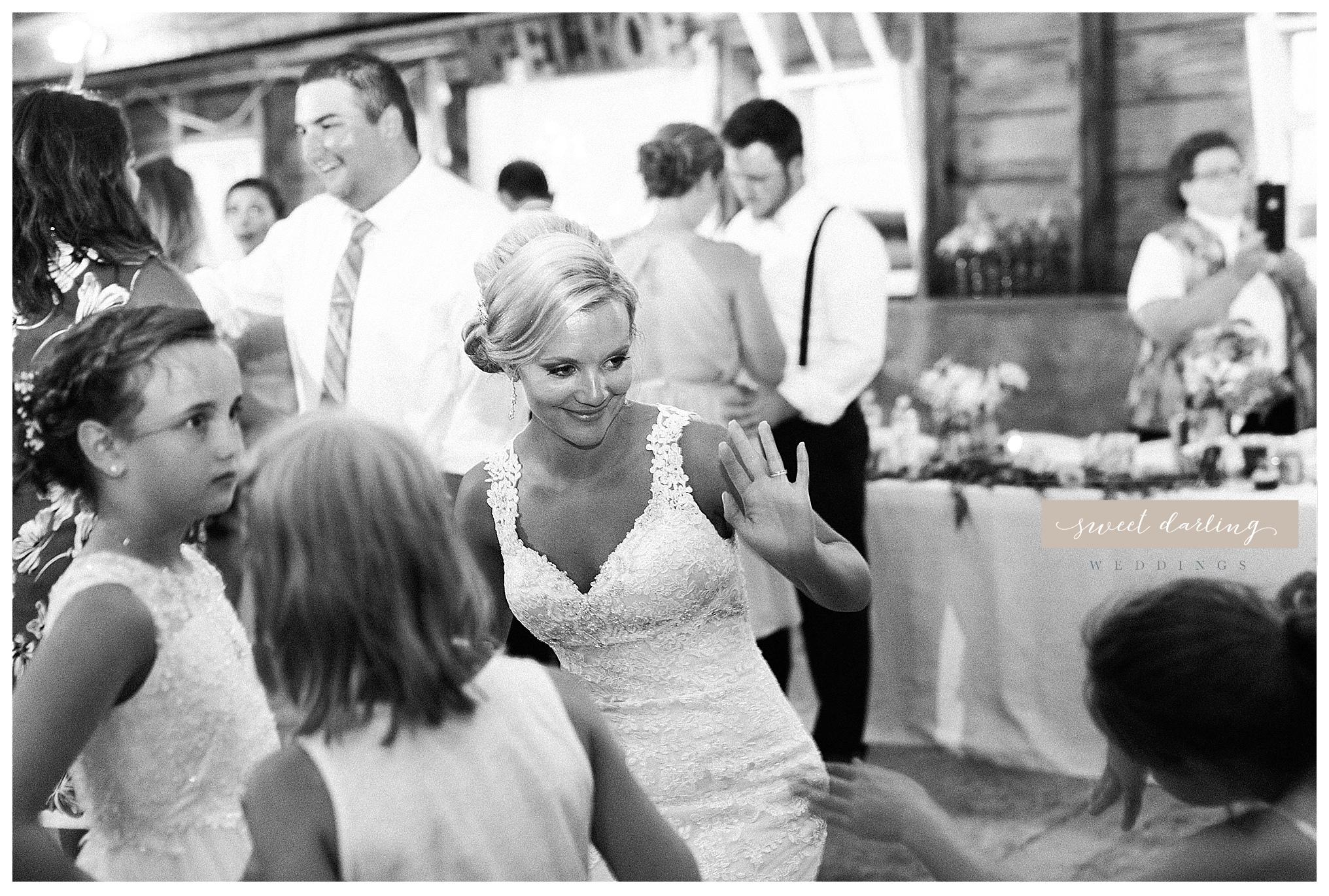 Rpaxton-illinois-engelbrecht-farm-country-wedding-photographer-sweet-darling-weddings_1268.jpg