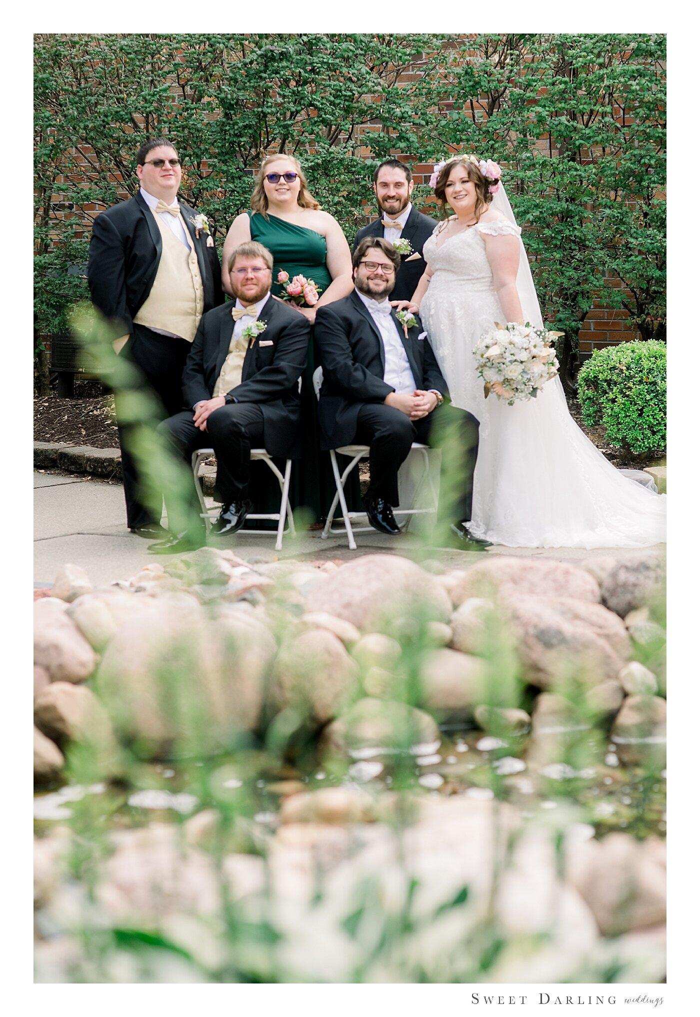 Bloomington-Normal-IL-Wedding-Photographer-eastland-suites-hotel_0025.jpg