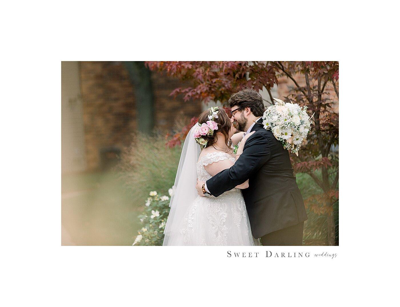 Bloomington-Normal-IL-Wedding-Photographer-eastland-suites-htoel_0027.jpg