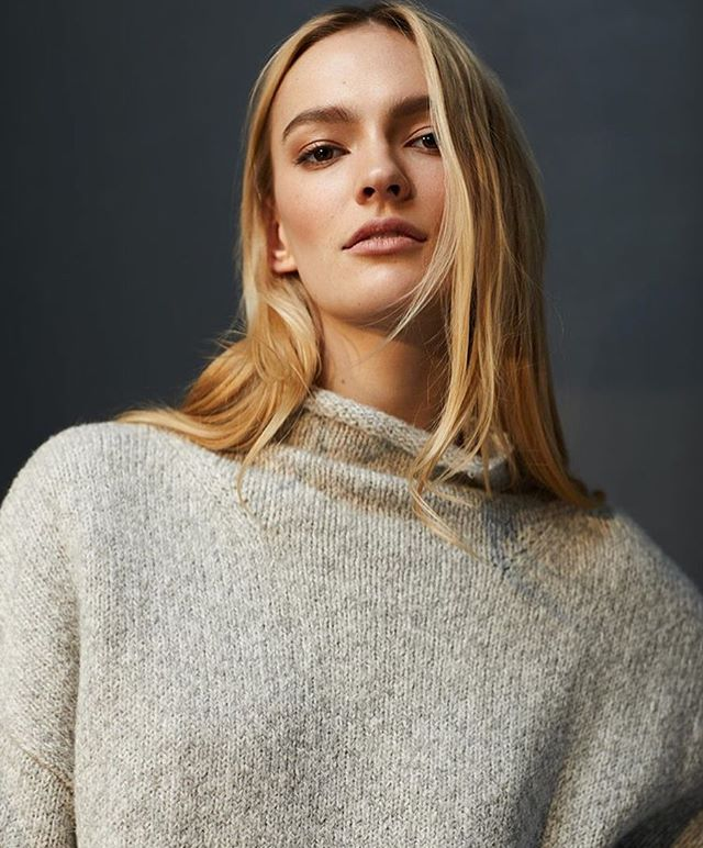 """""""The perfect grey sweater doesn't exis..."""" 😲💞💯 Agnes // @linethelabel #fw19"""