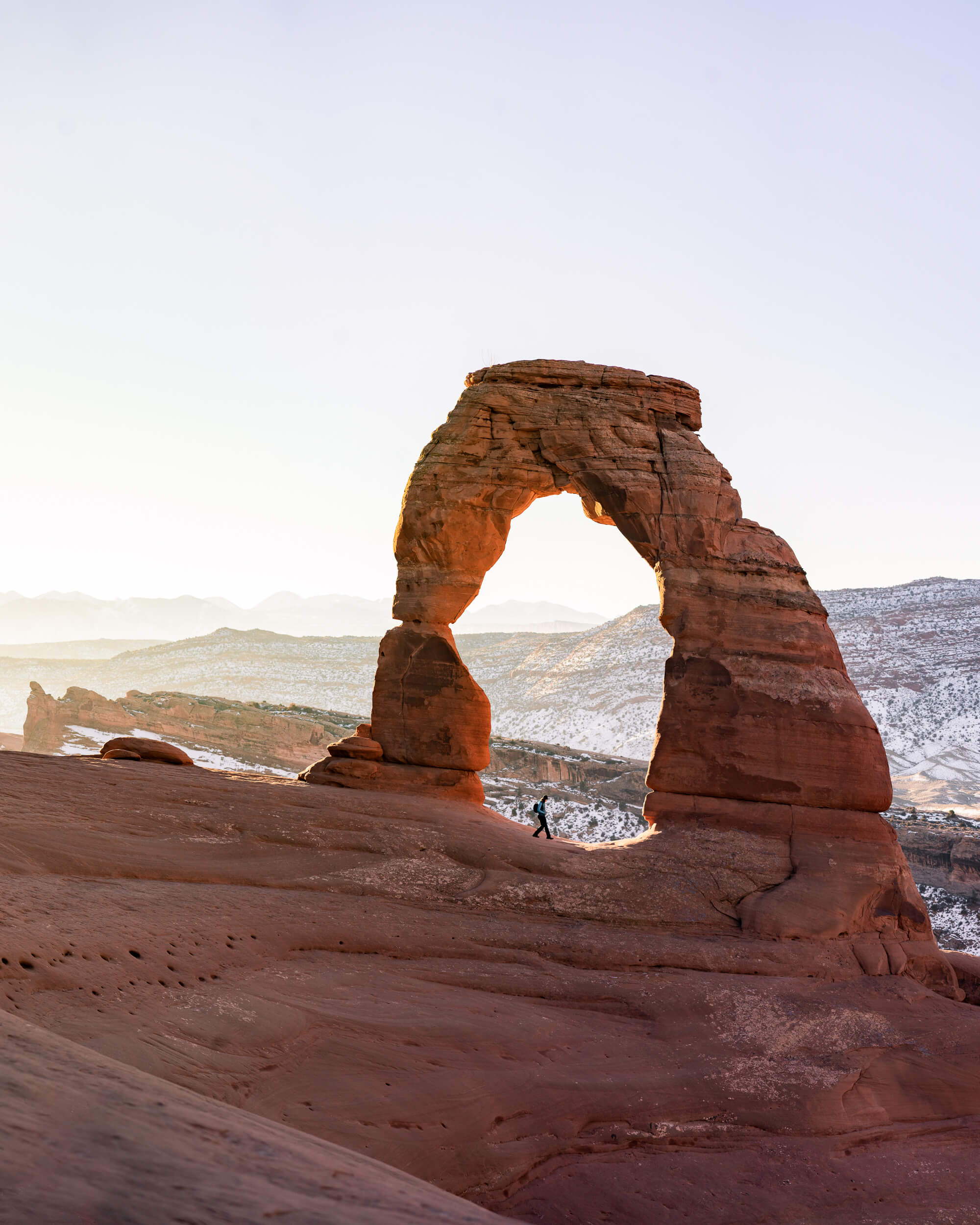 Utah-tourism-delicate-arch.jpg