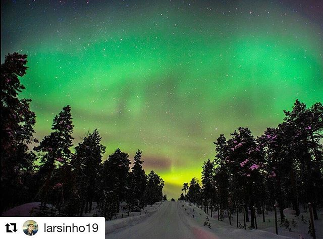 #Repost @larsinho19 (@get_repost) ・・・ I found my way to the Northern lights! Can you find yours?🇫🇮 #northernlights #auroraborealis #lapland #finland #lapland #saariselkä #arctictimetravels #timetravelsclub #visitfinland