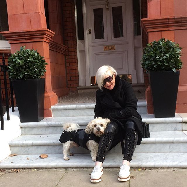 Mummy and me off into town shopping #matchingoutfits #wheresmycar #dogs #shopping #havaneseofinstagram #love #dogsoflondon