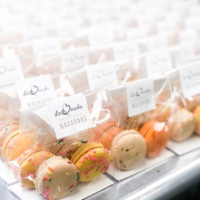 These adorable packs of macarons are sold exclusively at the Jackson airport! ✈️
