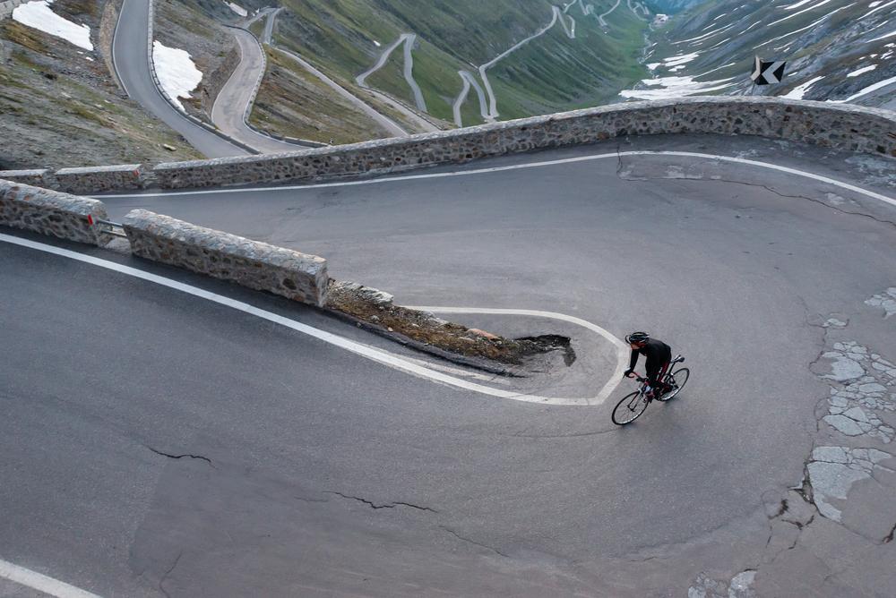 Alipne Biking - shutterstock_375381883.jpg