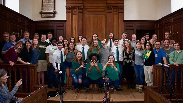 30 years of Wren love! Thank you so much to everyone who came out for the concert yesterday! We loved getting to see Wrens loved of old, from the original founding members to last spring's graduating class! Here's to 30 more years of wearin' of the green 💚