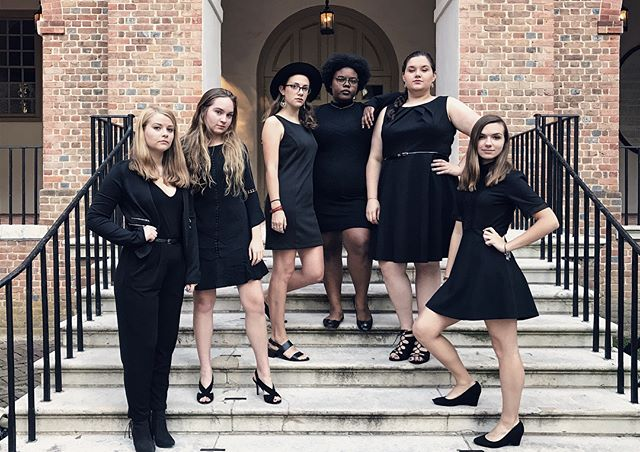 Happy Halloween from your favorite spooky formal a cappella group 🕸 (thanks to @toclairifythat and @chadlynn123 for the photos!)