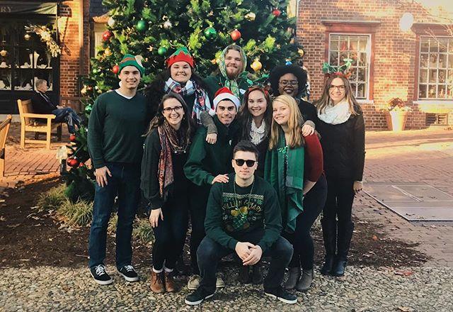 ~getting festive~ for caroling in Colonial Williamsburg!