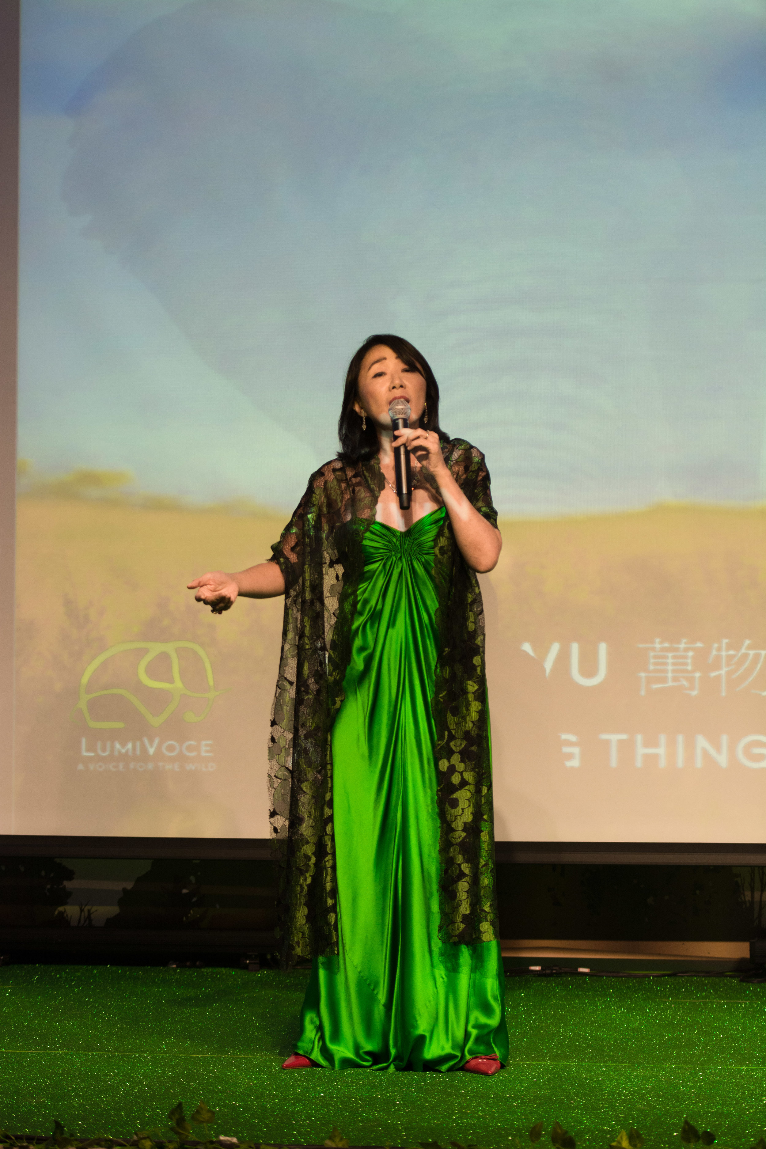 Ying Ying sings Wanwu萬物-All Living Things  at Animlas Aisa Gala Oct17 .jpg