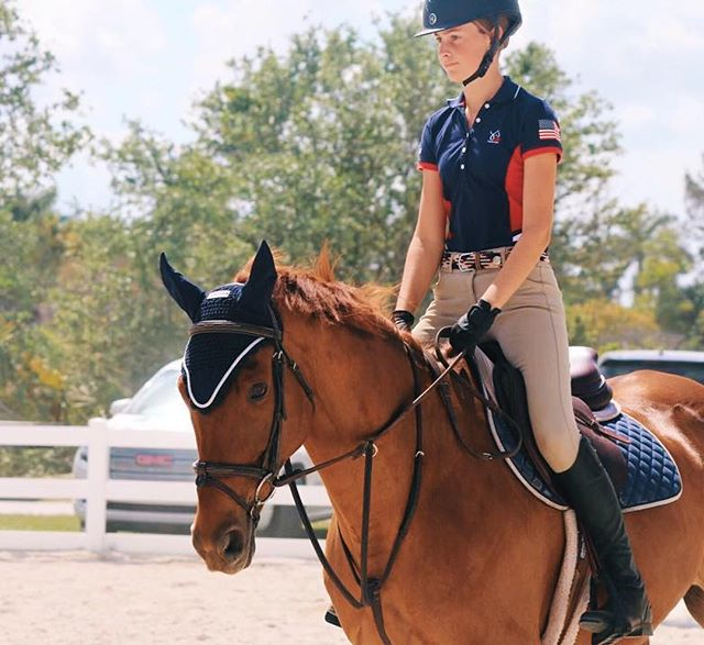 Sometimes you've just got to show your colors. ✨🇺🇸🐴 @carlyyeq wears the 'Jump Off' Derby Belt, arguably one of the most patriotic color combinations we make! #USA #RideOn #Equestrian #YoungRider #DerbyBelt #HuntClub PC: @jloren_photos