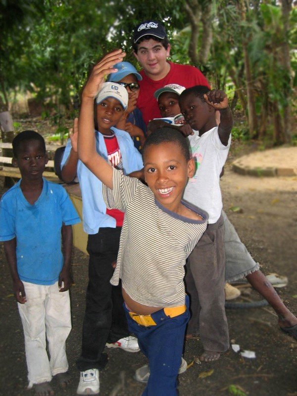 Daniel with children in the Dominican Republic in January 2006