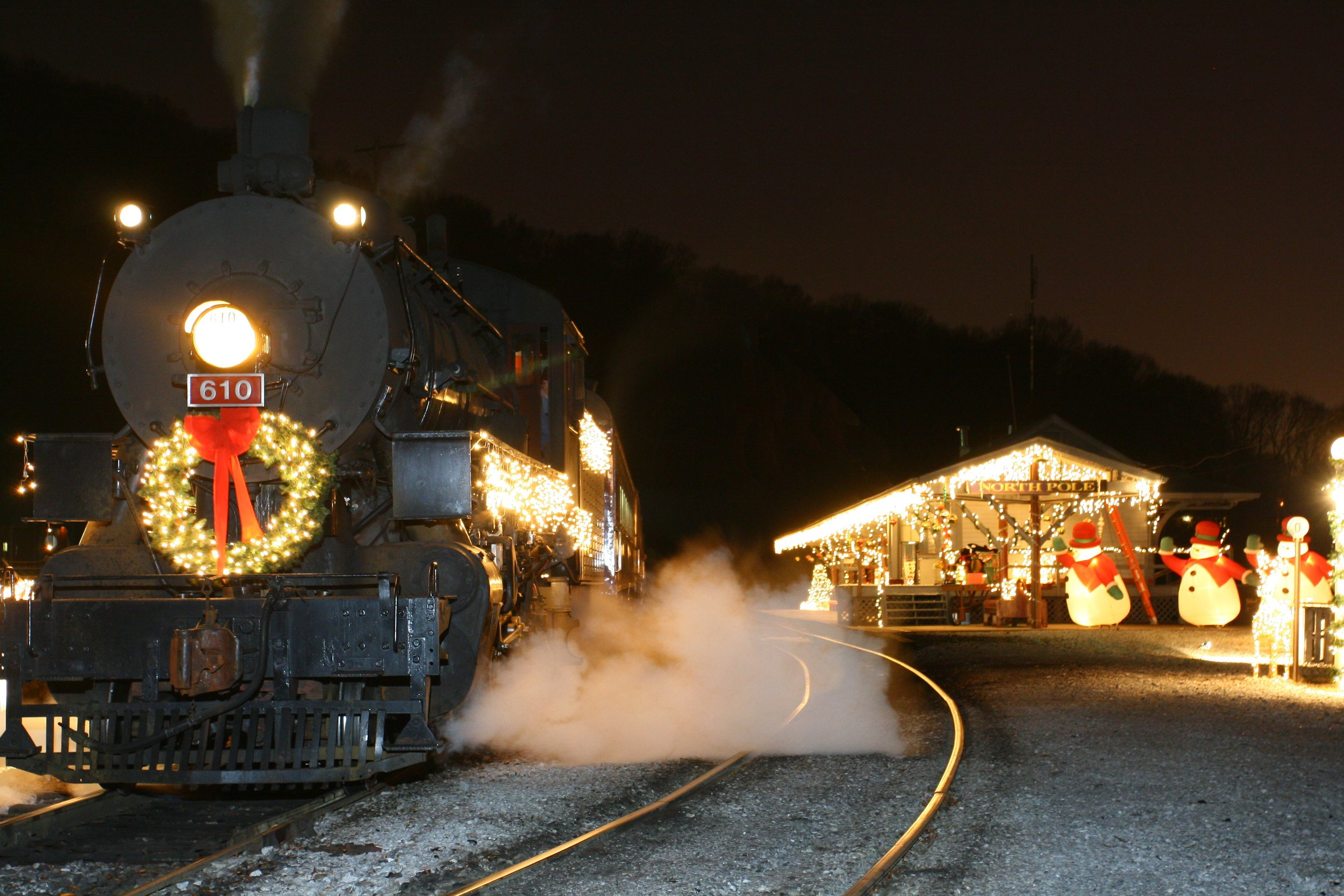 Tennessee Valley Railroad North Pole Limited Adventures and Christmas Special Dinner Train