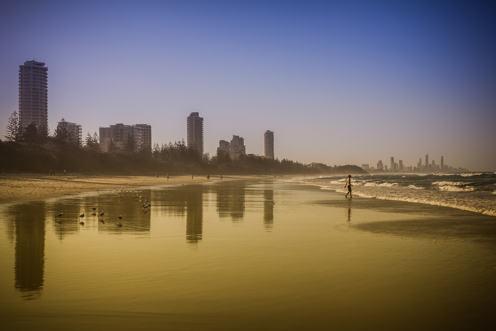 burleigh-heads-golden-beach-X3.jpg
