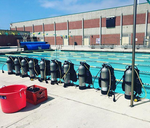 Let's Dive! #edisonhighschool #leftcoastscuba #scuba #scubadiving #divelife