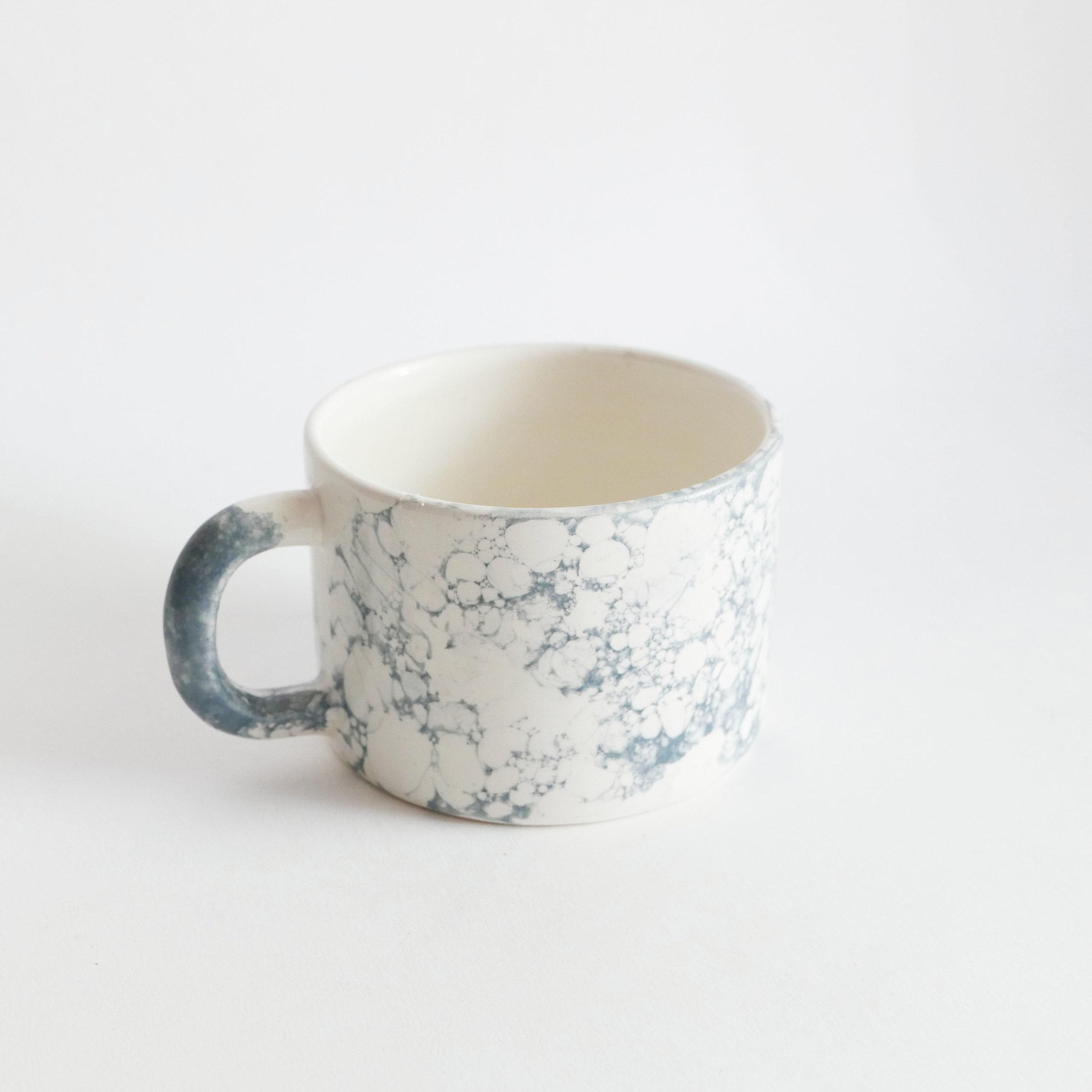 12€ - Tasses (bulles) en céramique. Datcha