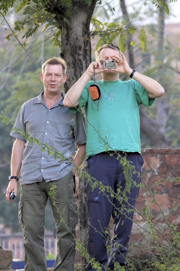 Mick & Simon .....photographing the photographer, me.