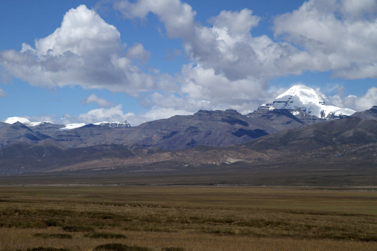 Tuesday 13th September 2011 - Our first sight of Mt Kailash in the distance