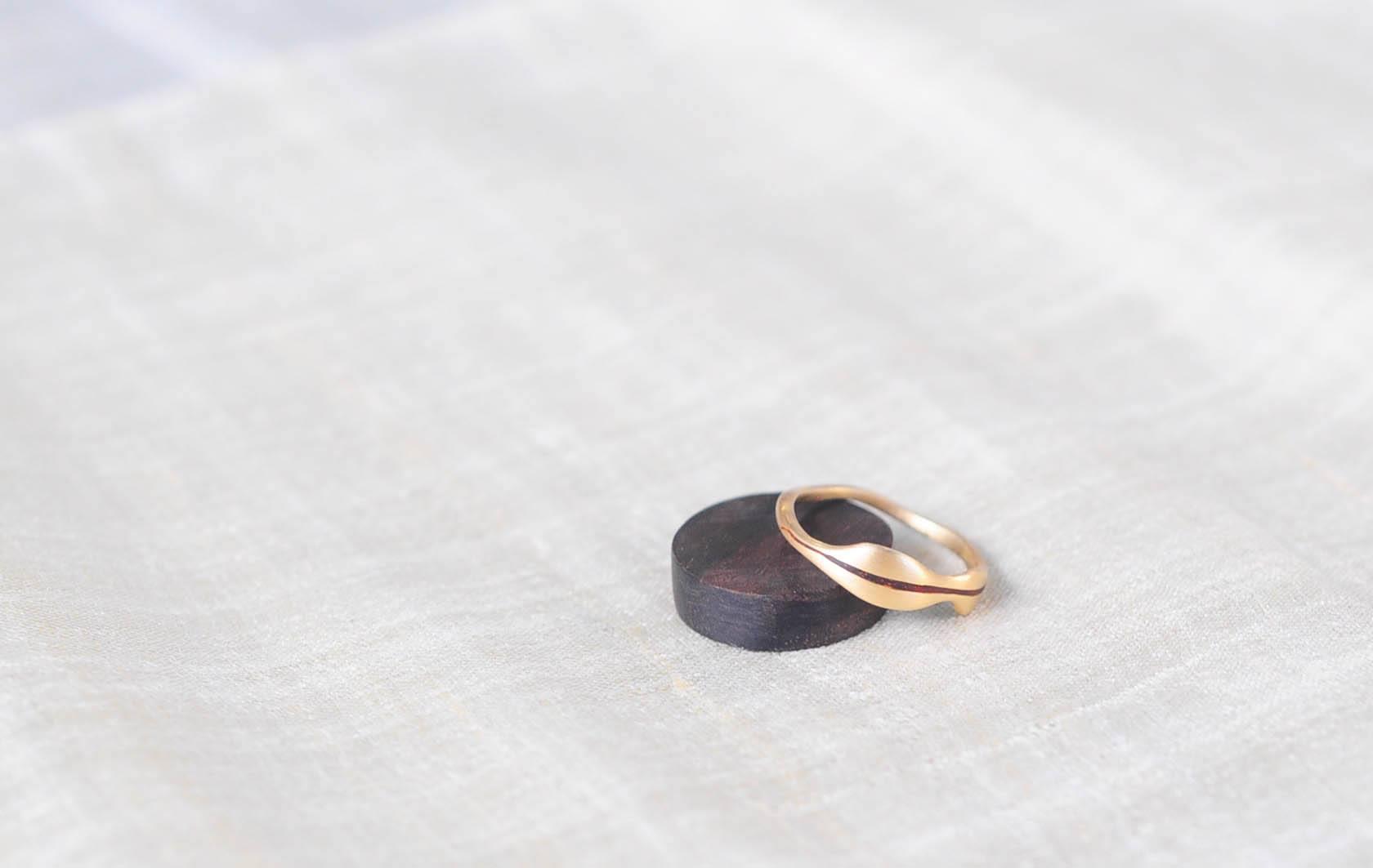 14 karat gold, red sandalwood   wedding ring   The leaf of love   2016