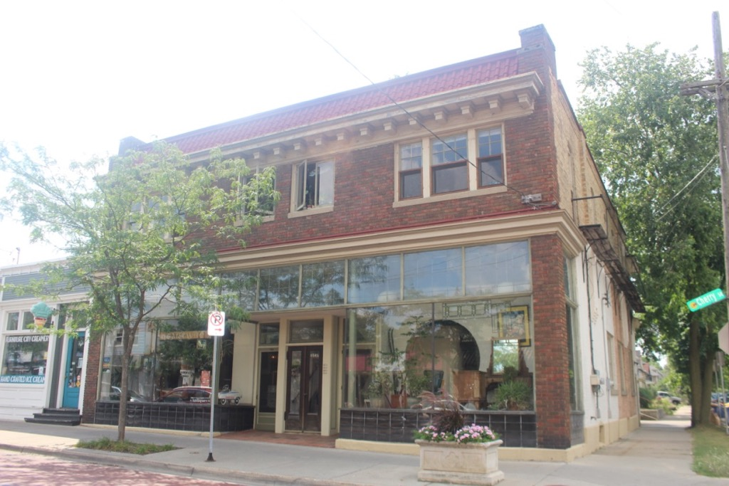 JOHN H. FRIDAY BUILDING/HEARTWOOD ANTIQUES