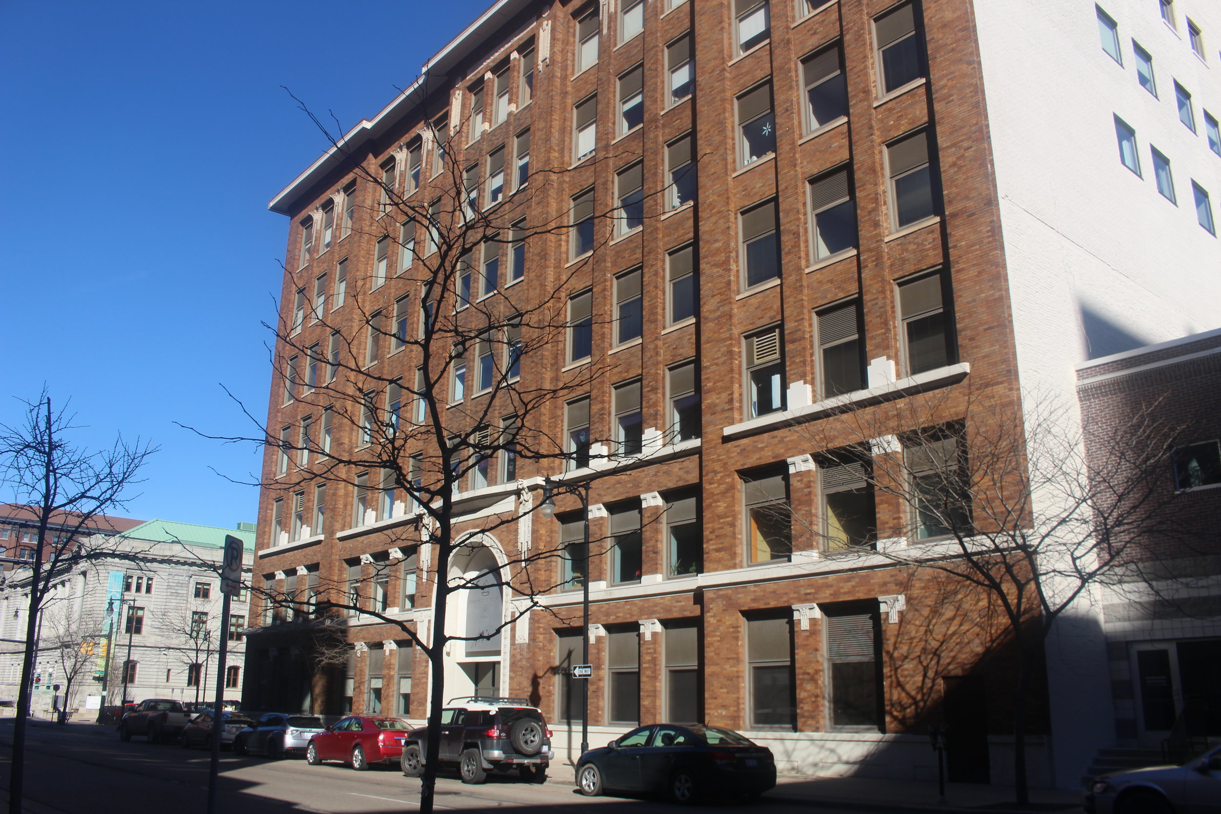 126 IONIA NW AT FOUNTAIN   MANUFACTURERS BUILDING