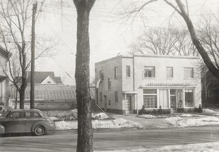 Crescent OldCar Greenhouse Front (2).jpeg