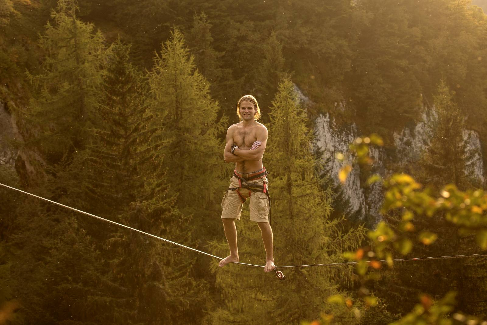 Alexander_Schulz_Highline_in_Auvergne.jpg
