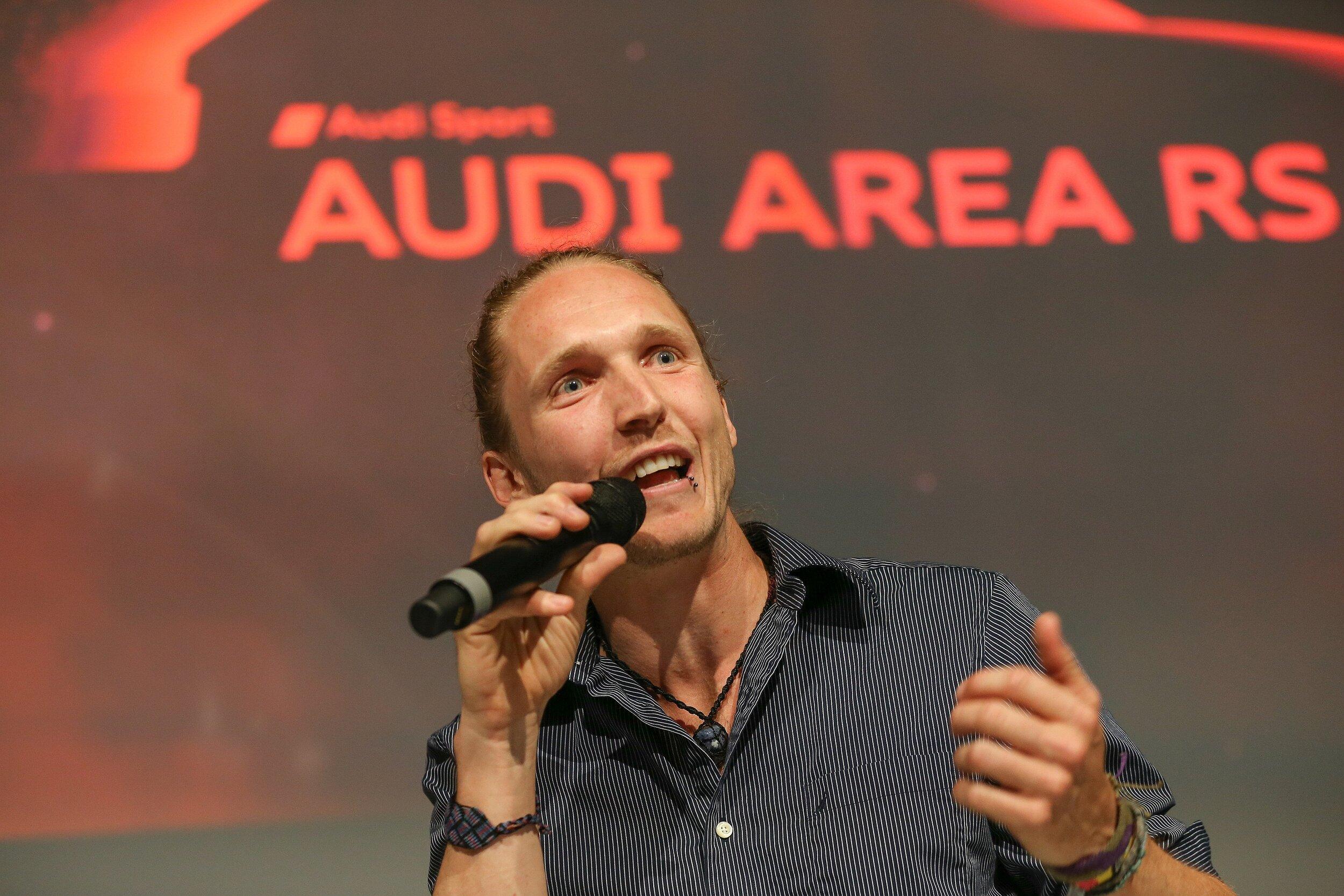 Niklas-Vortrag-bei-AUDI.png