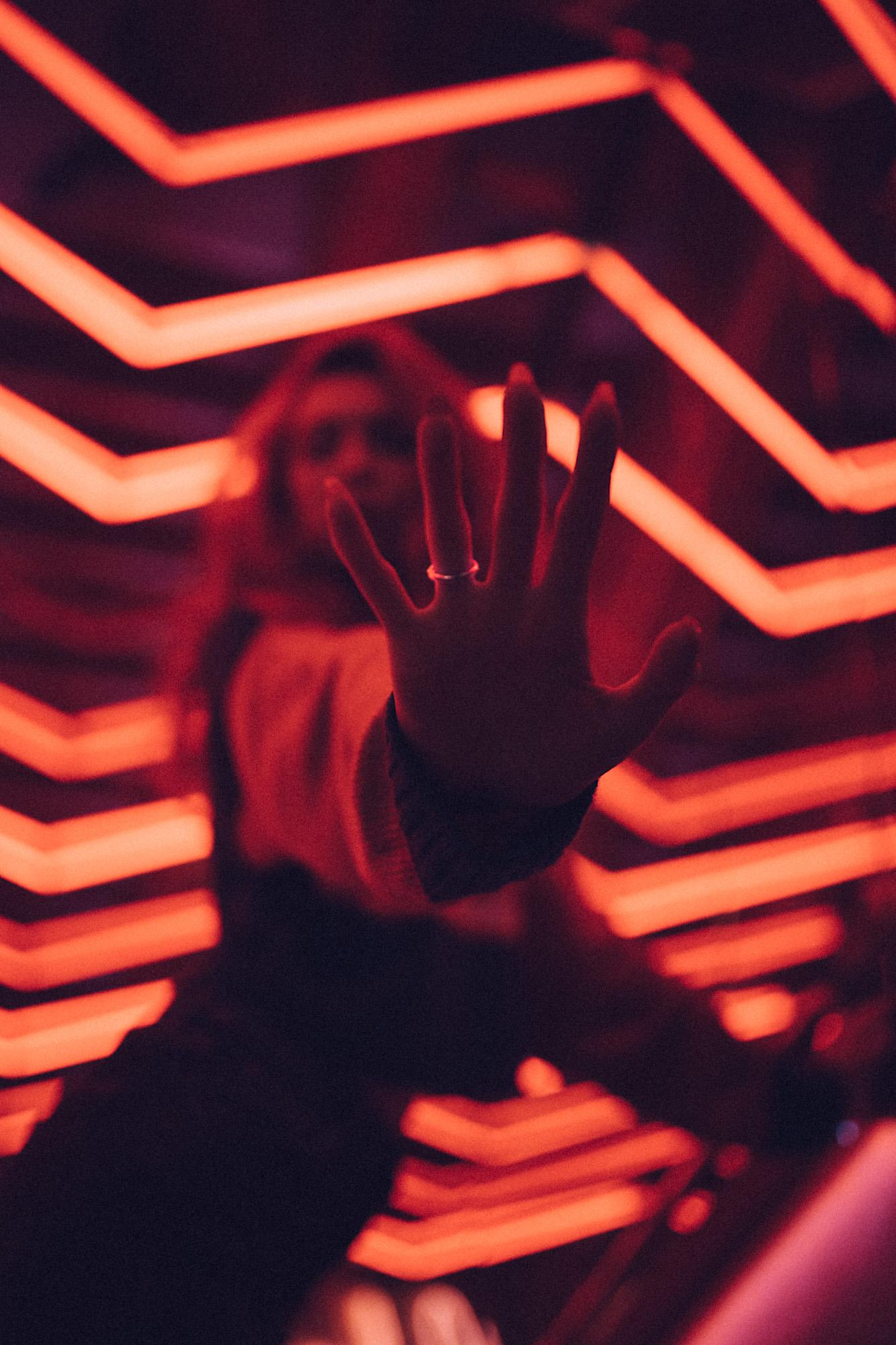 Neon-Giulia-web-4.jpg