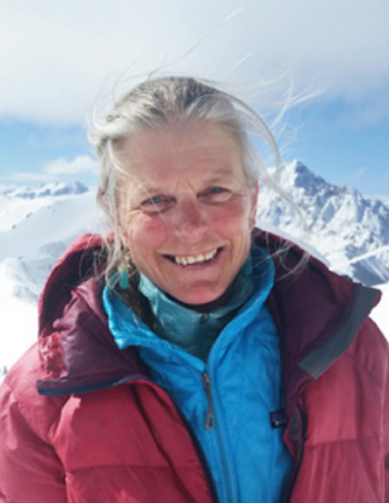 PATTI BANKS    Connecticut born, Patti lives in Colorado to pursue a life in the great outdoors. As a top examiner for PSIA in the rocky mountains she teaches a myriad of snow sports Patti's a conscious facilitator of experiential learning.     She's convinced she has the best office in the world! We agree.