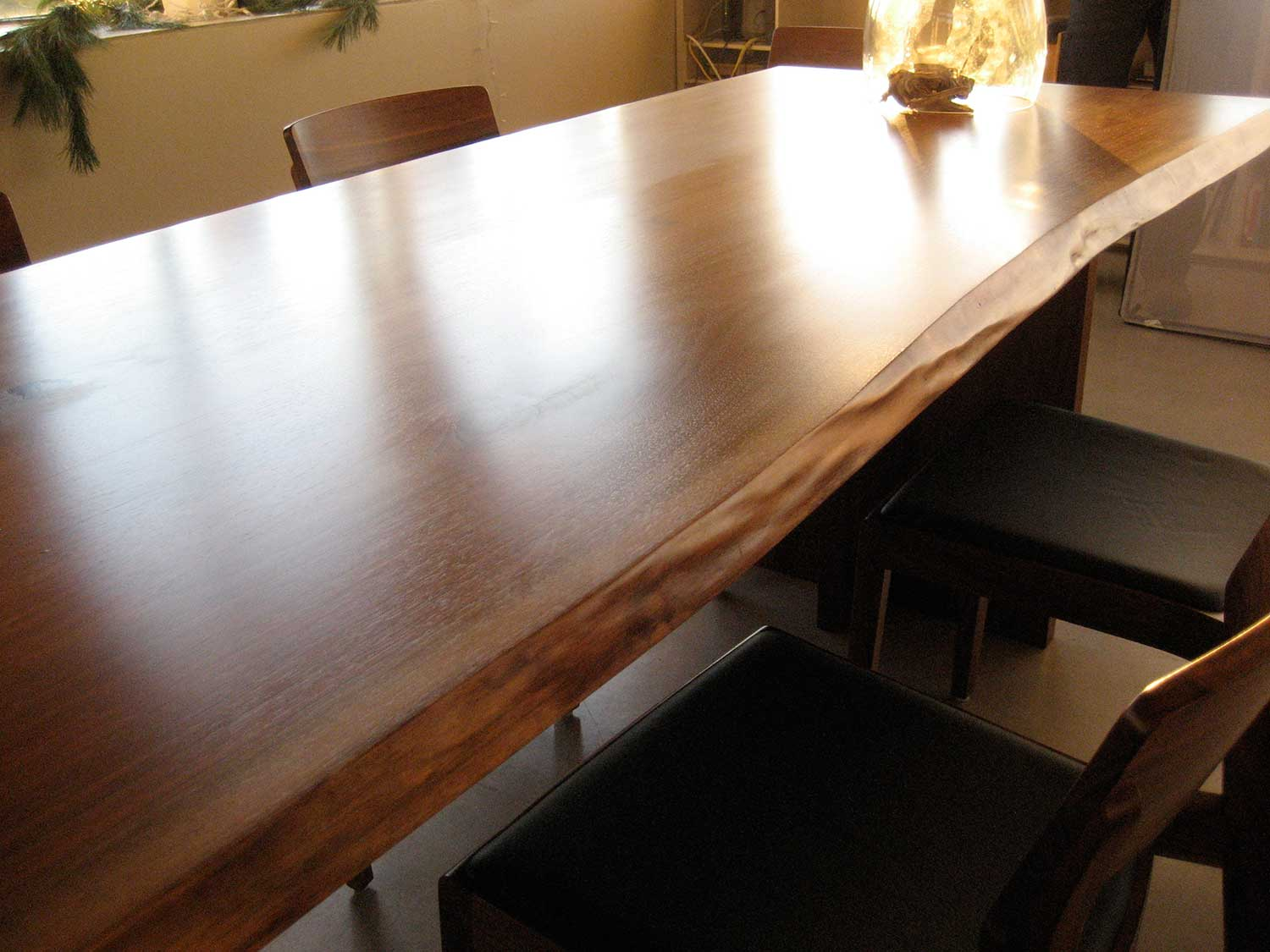 wickham-slender-live-edge-table6-paul-ohanlon-photo.jpg
