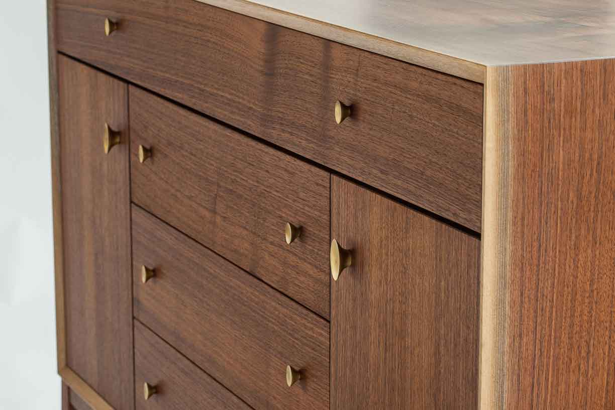 wickham_quartersawn_walnut_credenza_tom_moore_photo.jpg